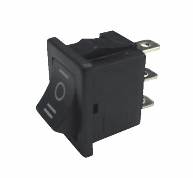 Interrupteur noir I/0/II 6A 3XFASTON